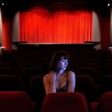 Ana. Etudiante, cinéphile. Le Saint-Denis, Croix-Rousse. Une des dernières salles de quartier où faire son cinéma. Pour dire le rêve intact, le parfum de la rose pourpre du Caire...