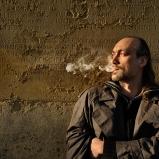 Rodolphe. Trafic d'images. Ile du Souvenir, Parc de la Tête d'Or. Le souvenir de l'aïeul parti en fumée revient en fumée... Polonais, mort pour la France...