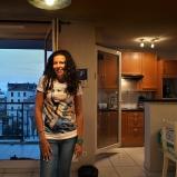 Séverine. Secrétaire. Chez elle, dans le 8e. Les pieds à Monplaisir, la tête dans les îles grecques, bienvenue en zone dutyfree !