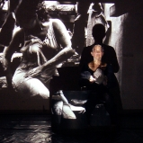 Une vue de la projection/performance par Angelle