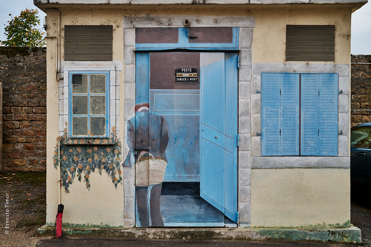 Photo © Ernesto Timor - Le vieux transfo